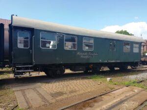 am Buffetwagen der Bauart BD 3 ygeb wird zur Zeit die Hauptuntersuchung durchgeführt (20.06.2020)