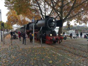 Vorankündigung : Hafenbahnfahrtag mit Oldtimer-Schau @ Frankfurt/Main, Eiserner Steg