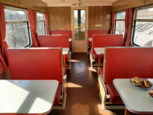 24 Sitzplätze stehen zur Verfügung - MITROPA Speisewagen (Februar 2021)